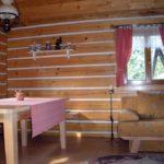 Roubená chata ve Větrném Jeníkově